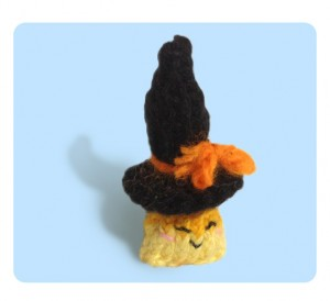 Free cute tiny witch hat knitting patterns