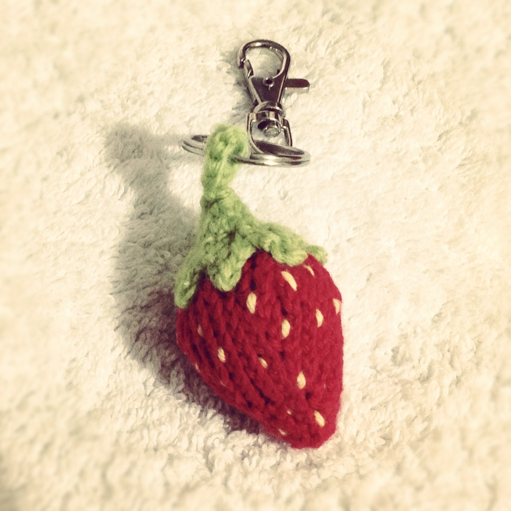 Strawberry Keychain / Keyring Cute Free Knitting Patterns, Tutorials