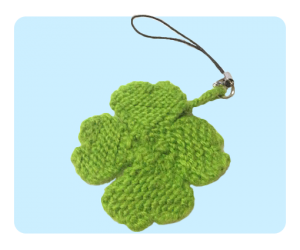 free knitting patterns -- four leaf clover